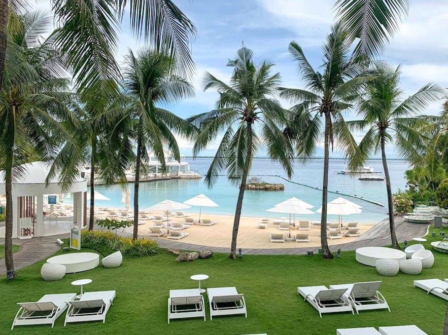 Lounge area in Movenpick Hotel Mactan Island Cebu