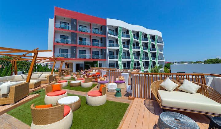 Outdoor common area in Best Western Resort in Panglao