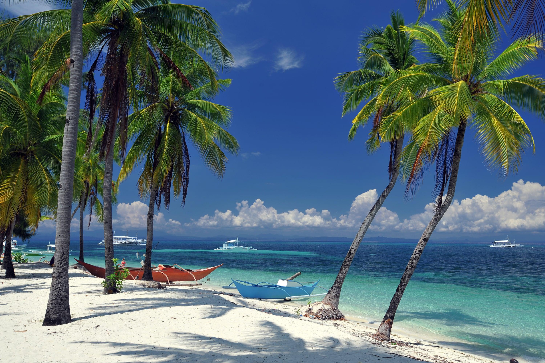 Pristine white sand beach in Malapascua Island
