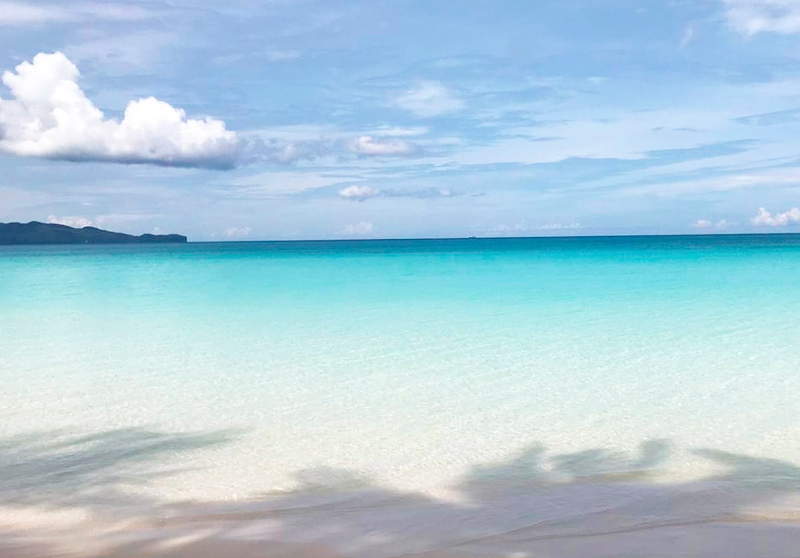 Clear blue waters of Boracay