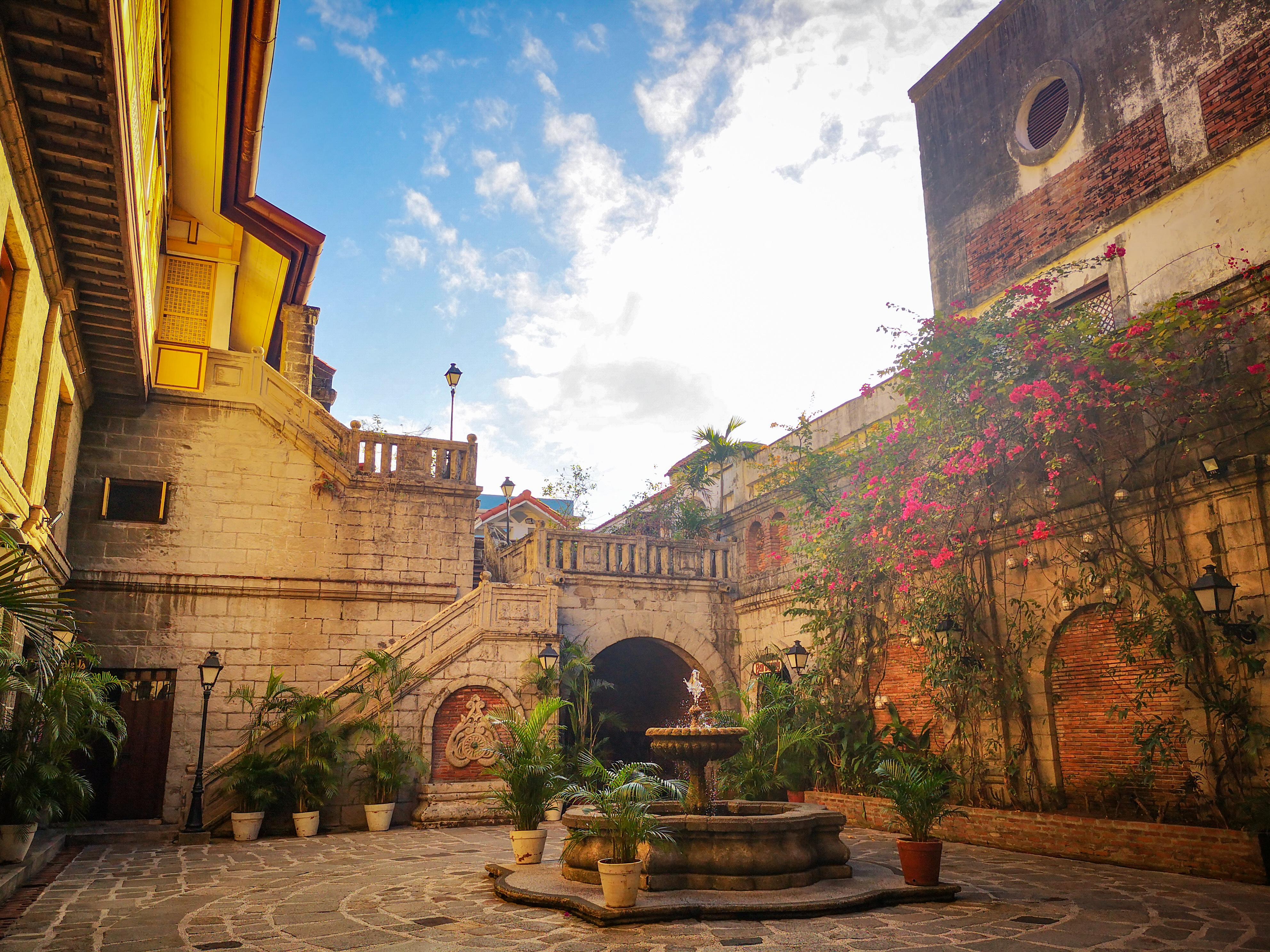 Sunrise in Casa Manila inside Intramuros