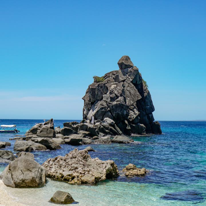 Clear blue waters of Apo Island in Dumaguete