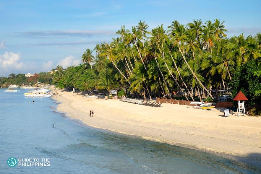 White sand at Alona Beach in Panglao Island