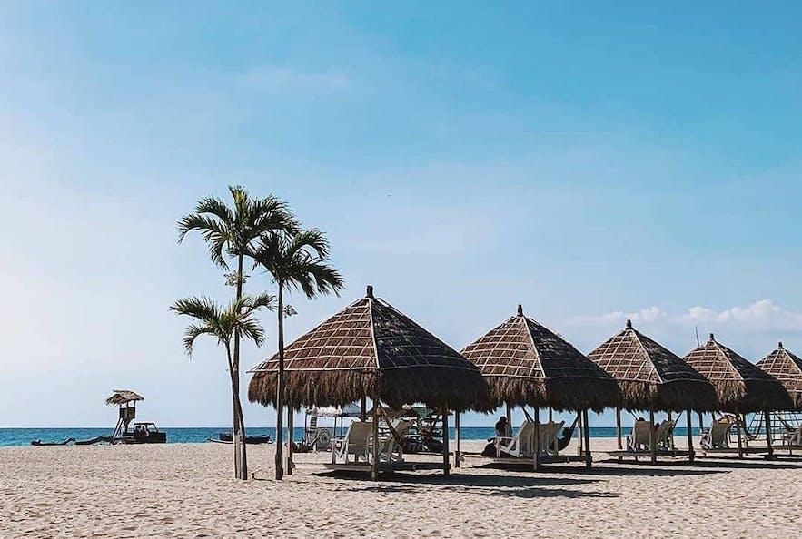 Beachfront huts in Crystal Beach Resort