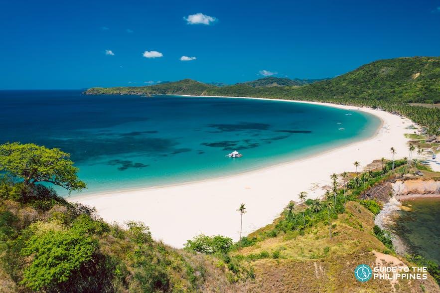 Fine white sand of Nacpan Beach