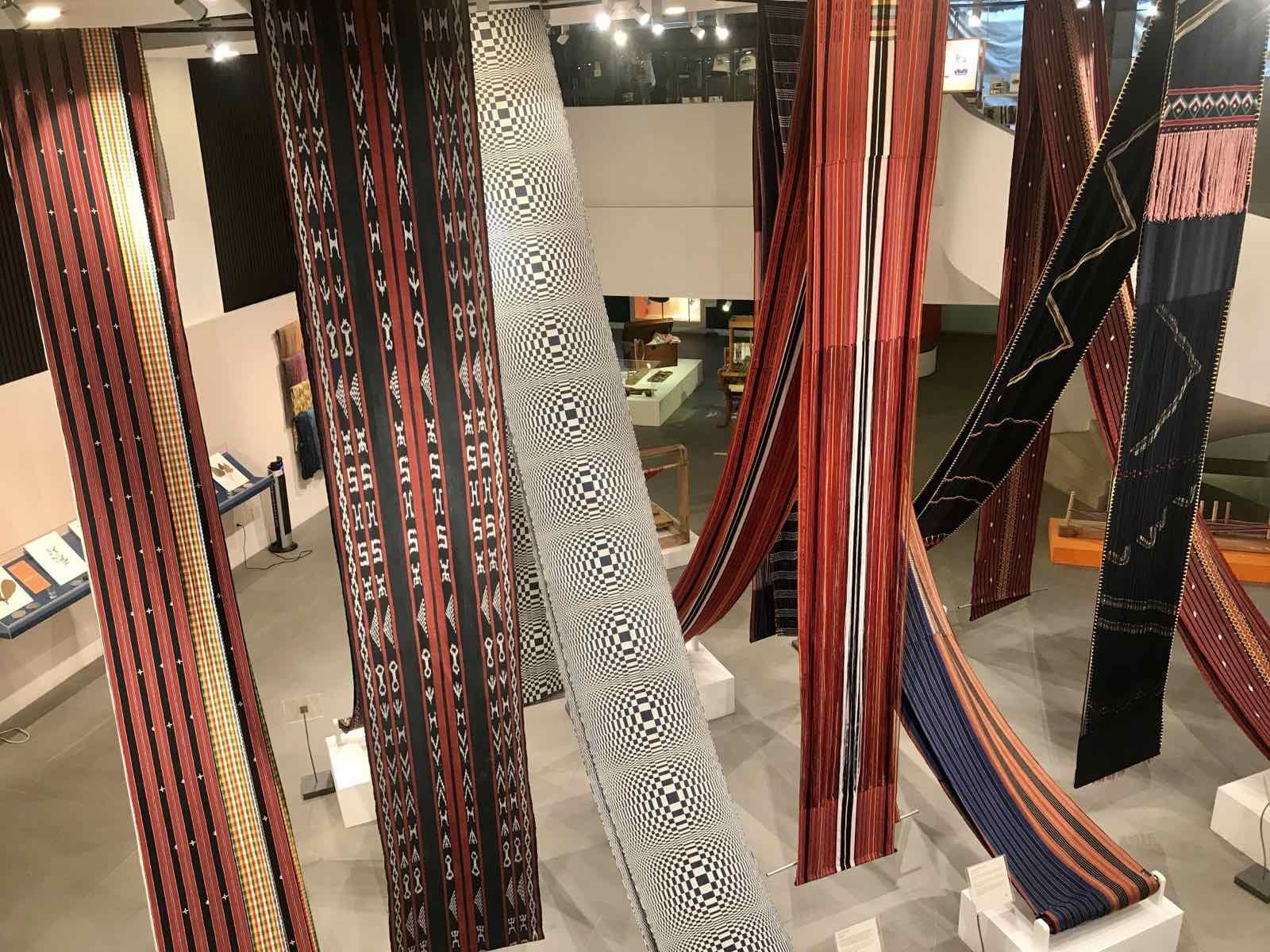A display of fine weaving at Museo Cordillera