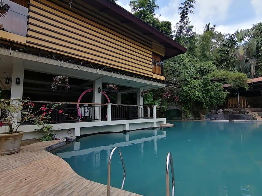 Pool in Kamayan sa Palaisdaan