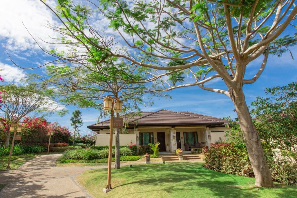 Facade of a villa in Crimson Mactan Resort