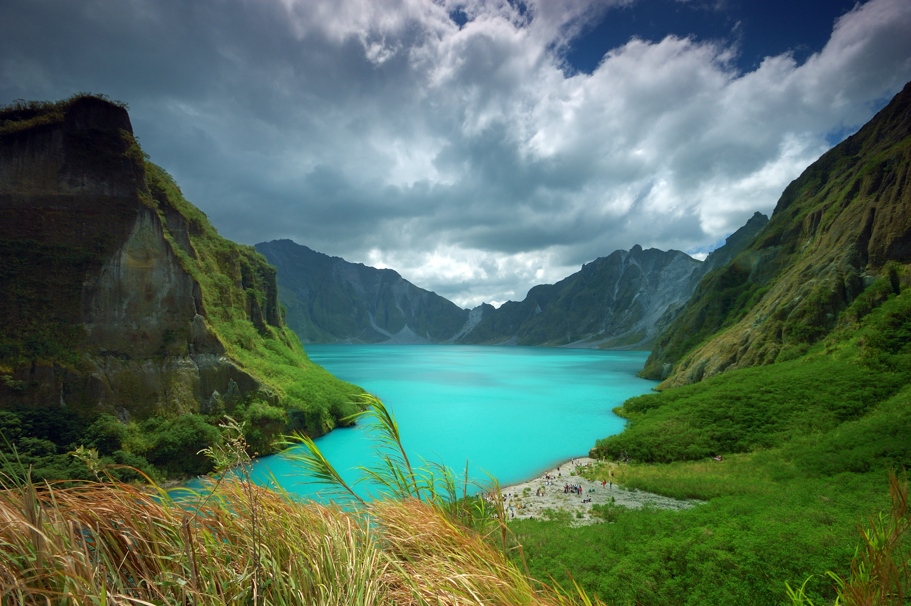 Blue waters in Mt. Pinatubo Crater Lake