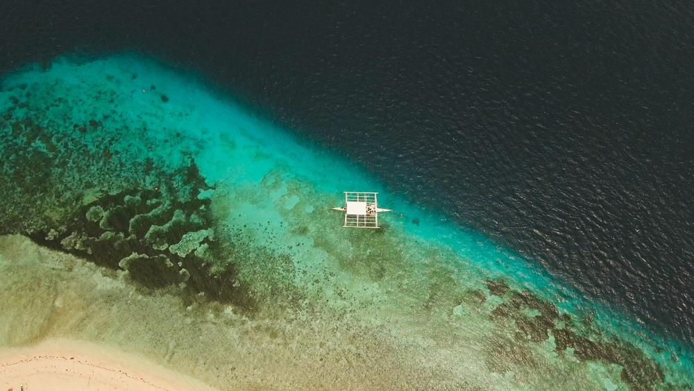 Deep blue waters of Pamilacan Island in Bohol
