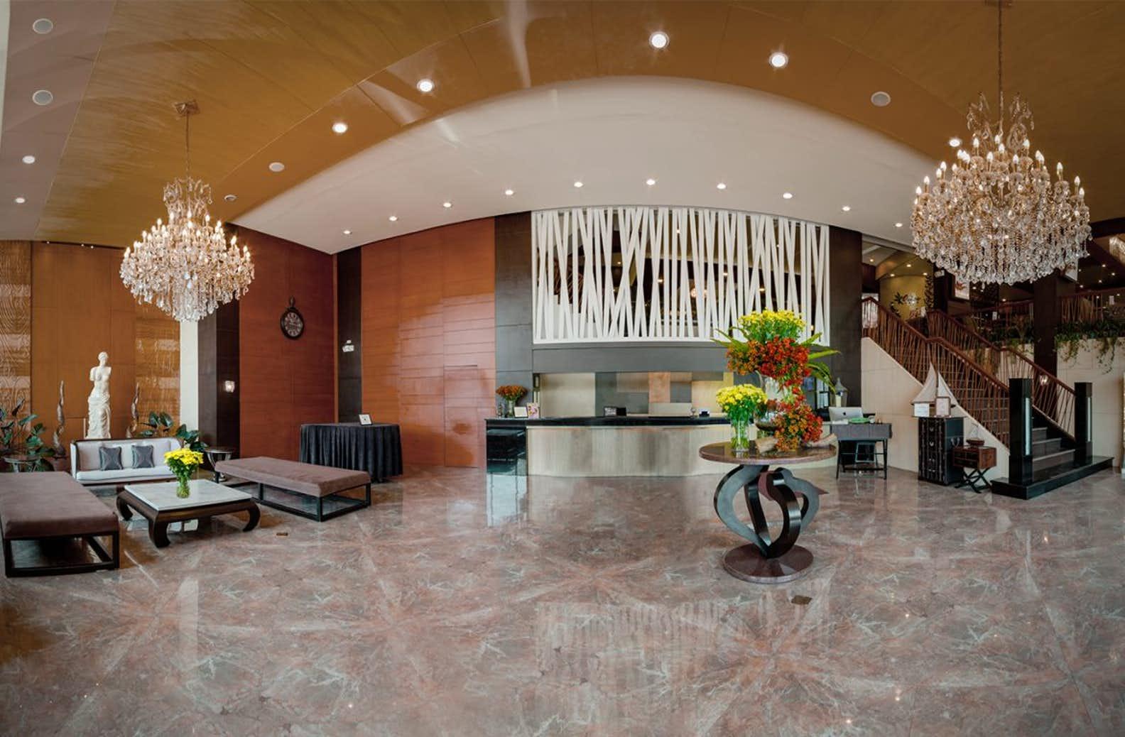 Reception of Venus Parkview Hotel in Baguio