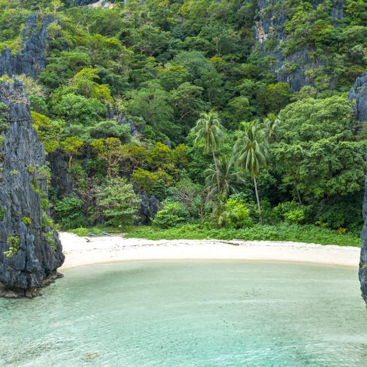 Hidden Beach in El Nido Palawan