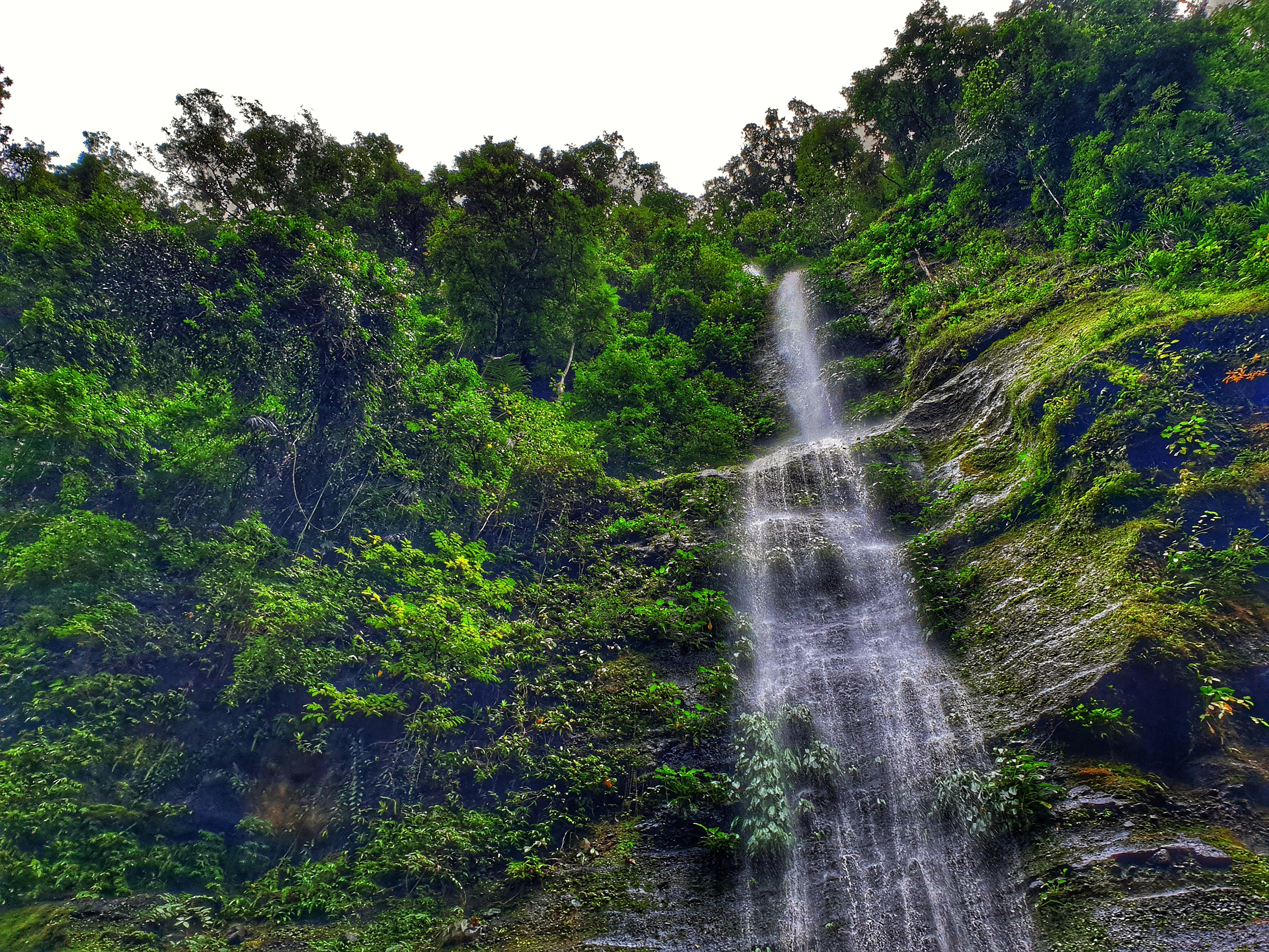 12 Best Laguna Province Tourist Spots: Spring Resorts, Lakes, Falls