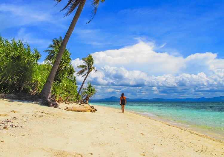 Beach in Pamilacan Island in Bohol