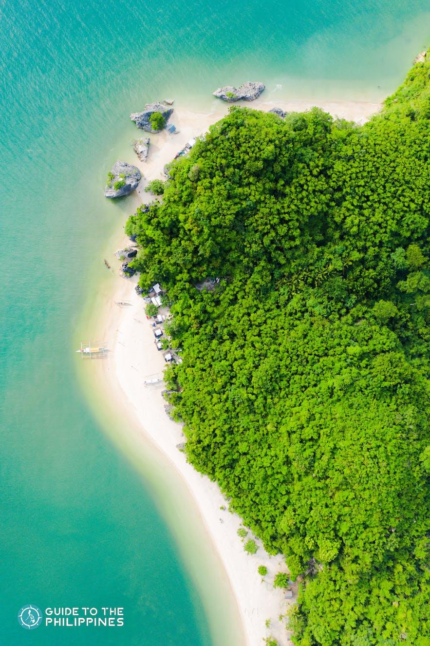 Aerial shot of Borawan Island