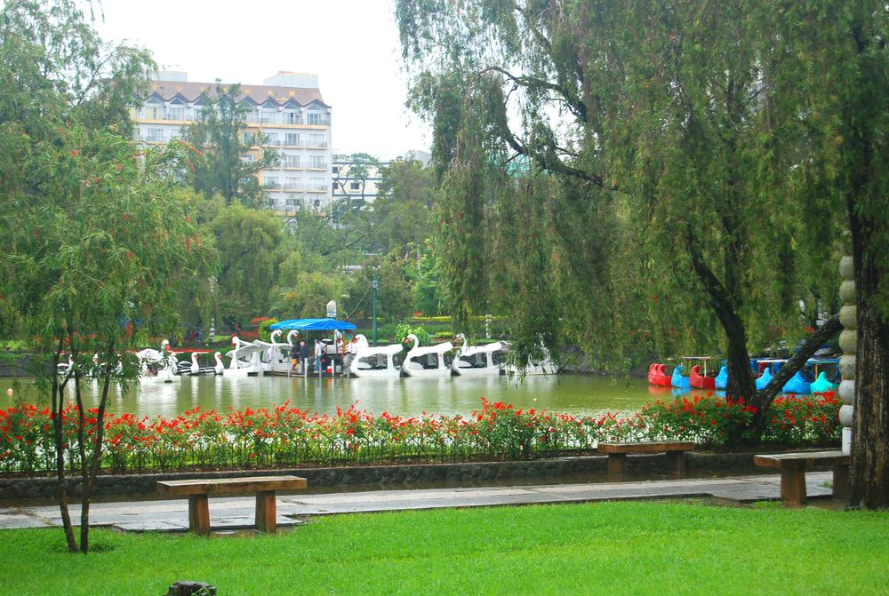 Enjoy the sights at Burnham Park in Baguio City