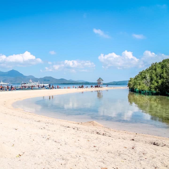 Starfish Island sandbar in Palawan