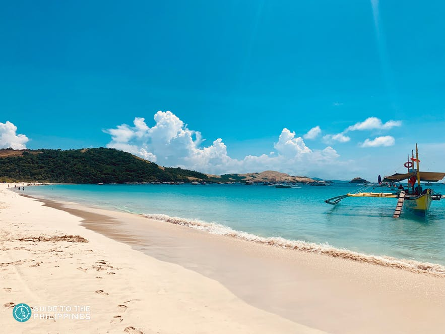 Whitesand coast of Caramoan Island
