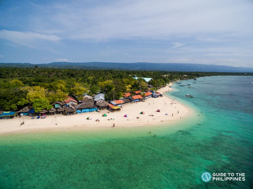 Beautiful white sand beach at Moalboal in Cebu