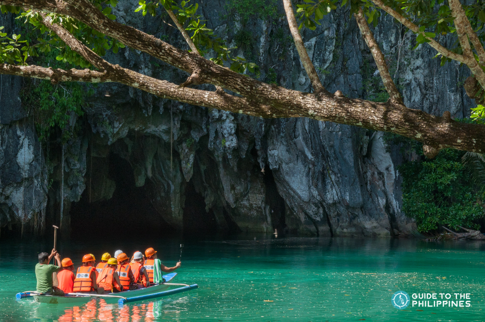 A boat full of tourists going to the Puerto Princesa Underground River