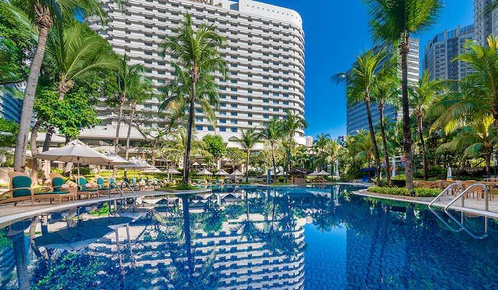 Pool area at EDSA Shangri-La Hotel