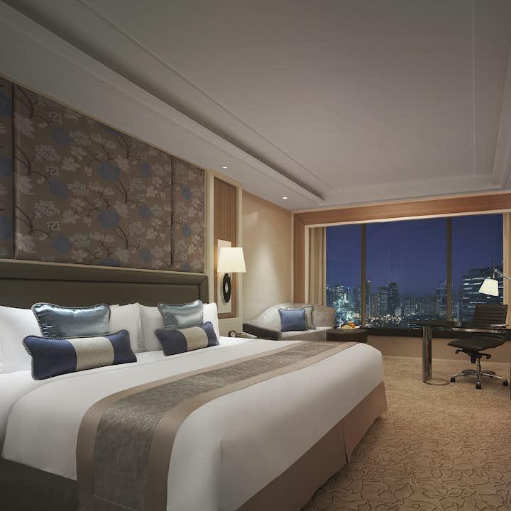 Tower Wing Superior Bedroom in EDSA Shangri-la Hotel