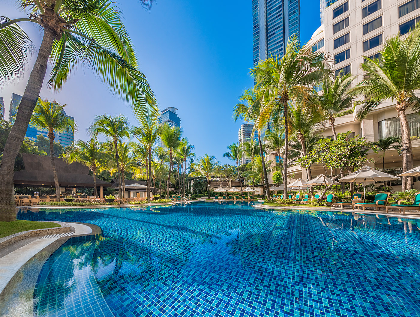 Pool area of EDSA Shangri-La Hotel