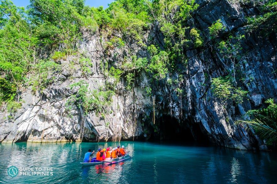 Tourists enter the Puerto Princesa Underground River