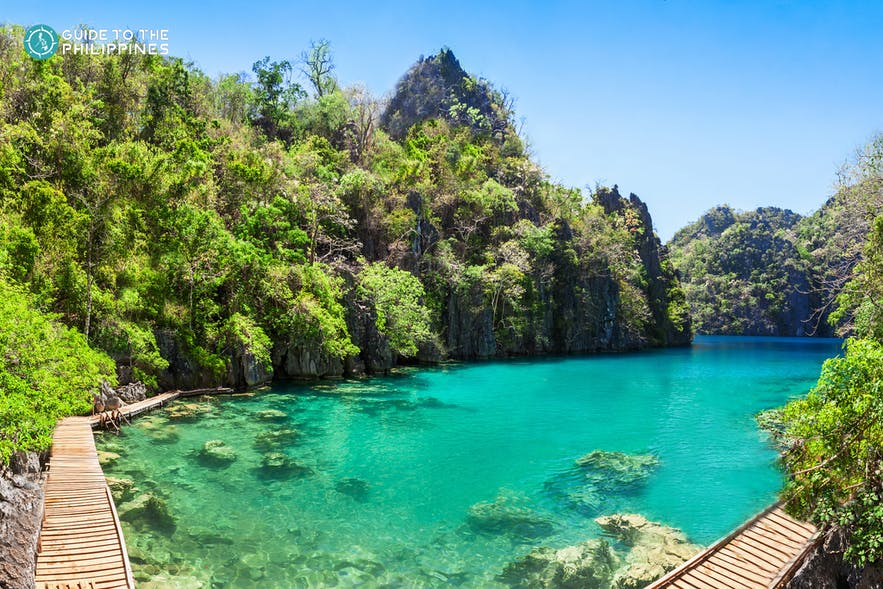 Wide shot of Kayangan Lake, Palawan