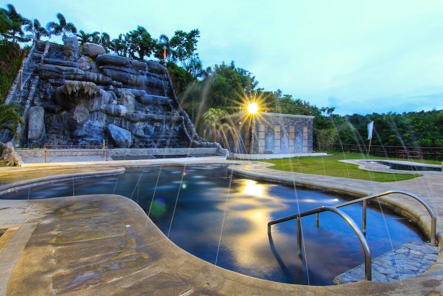 Sol Y Viento Mountain Resort's poolside