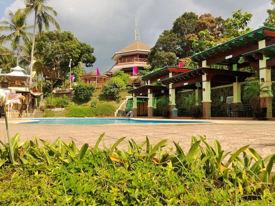 The poolside of Noni's Resort