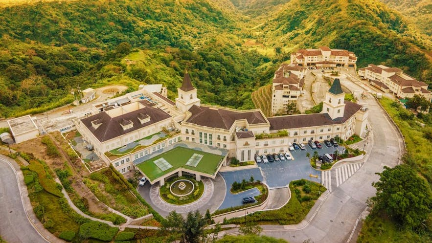 Aerial view of Twin Lakes Hotel