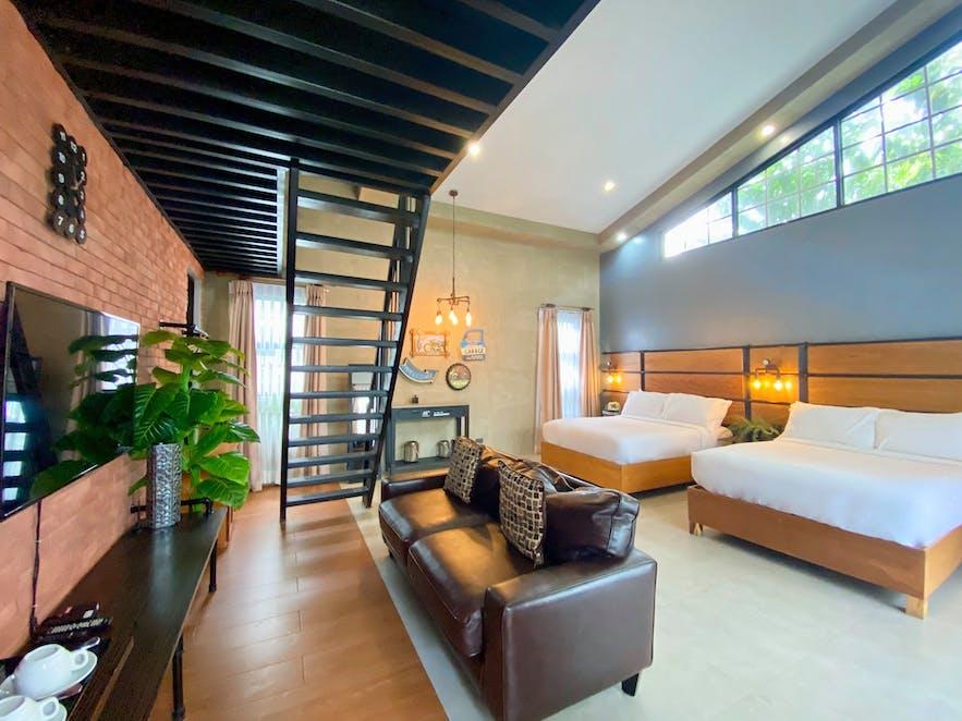 A room in Farm Hills Garden