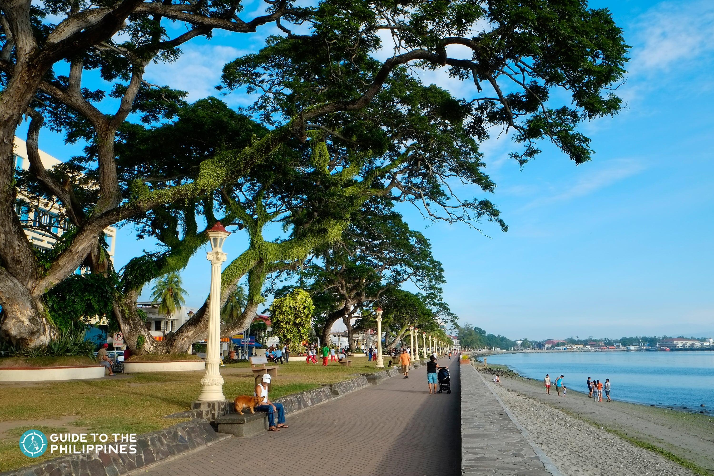 Rizal Boulevard in Dumaguete