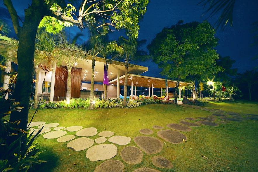 The outdoor lounge of Mount Sea Resort