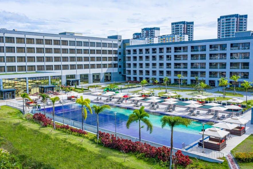 The pool area of Hilton Clark Sun Valley Resort