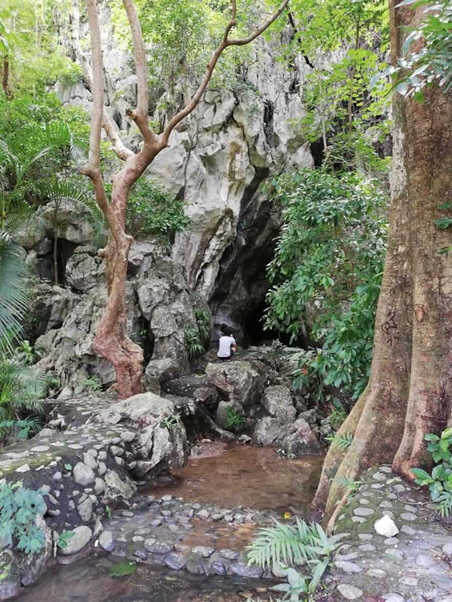 Entrance to Pinagrealan Cave