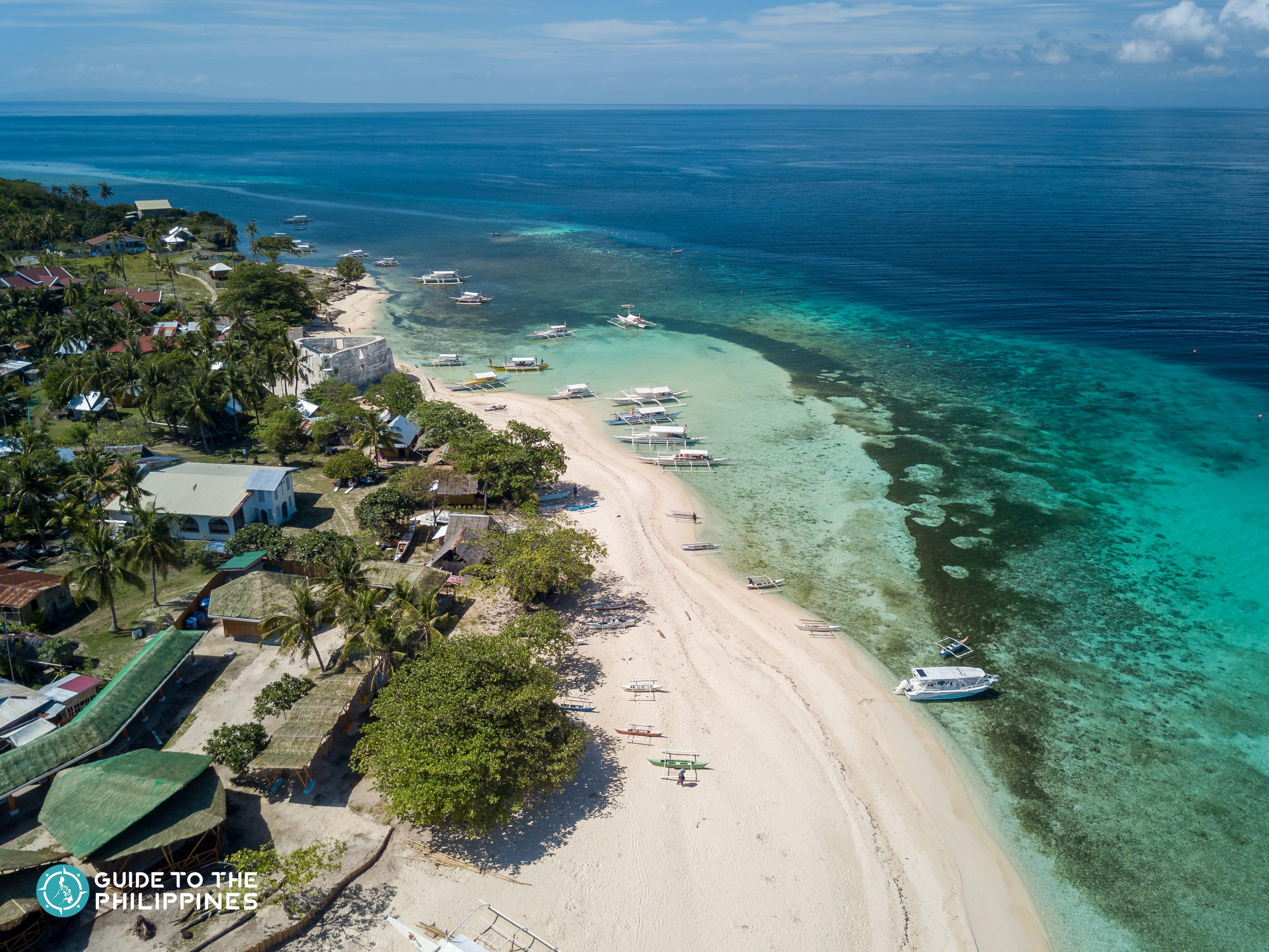 White sand beach of Pamilacan Island in Bohol