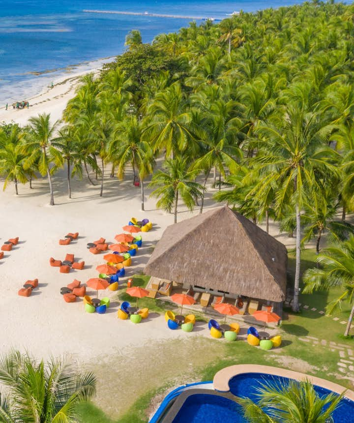 South Palms Resort's beachfront