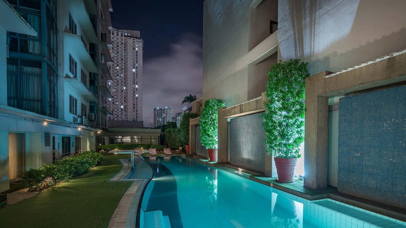 Pool of Astoria Hotel Plaza