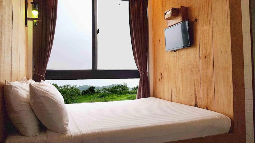 Lakeview room at Cabins by Eco Hotel