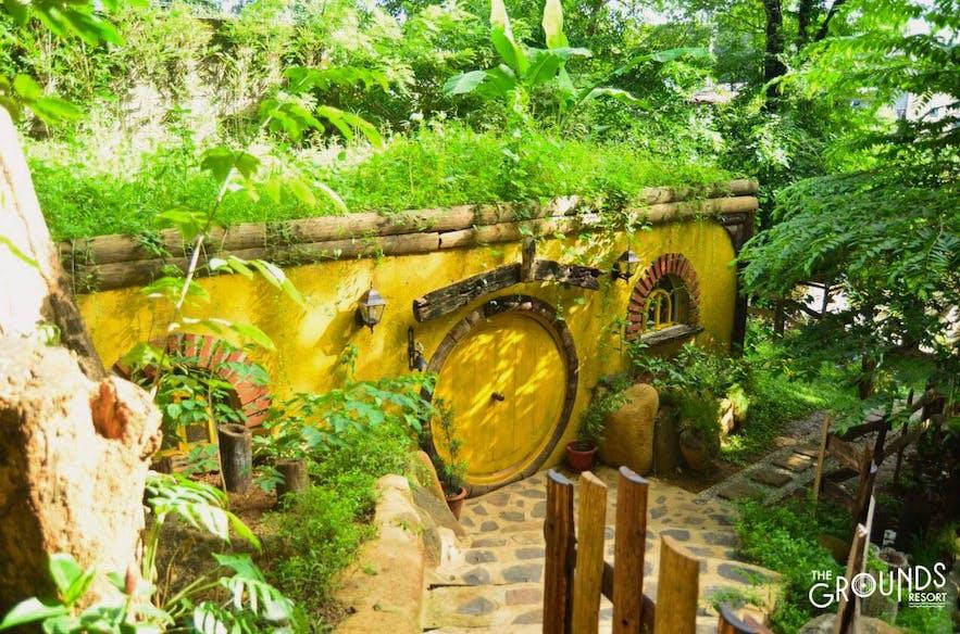 The hobbit room of The Grounds Resort