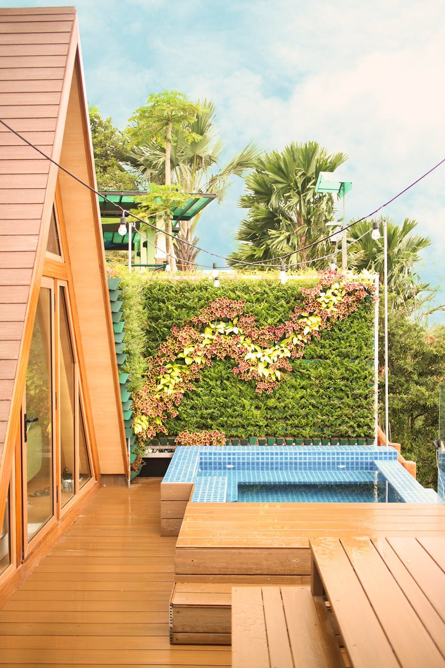 Private pool in Noni's Resort Talisay Cabins