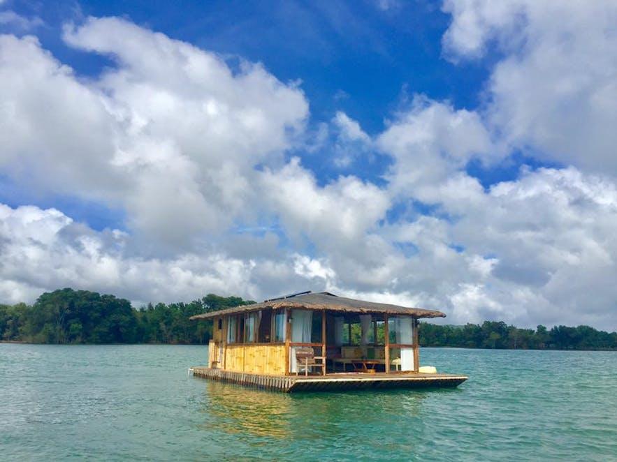 The floating cottage of Aquascape Caliraya Lake