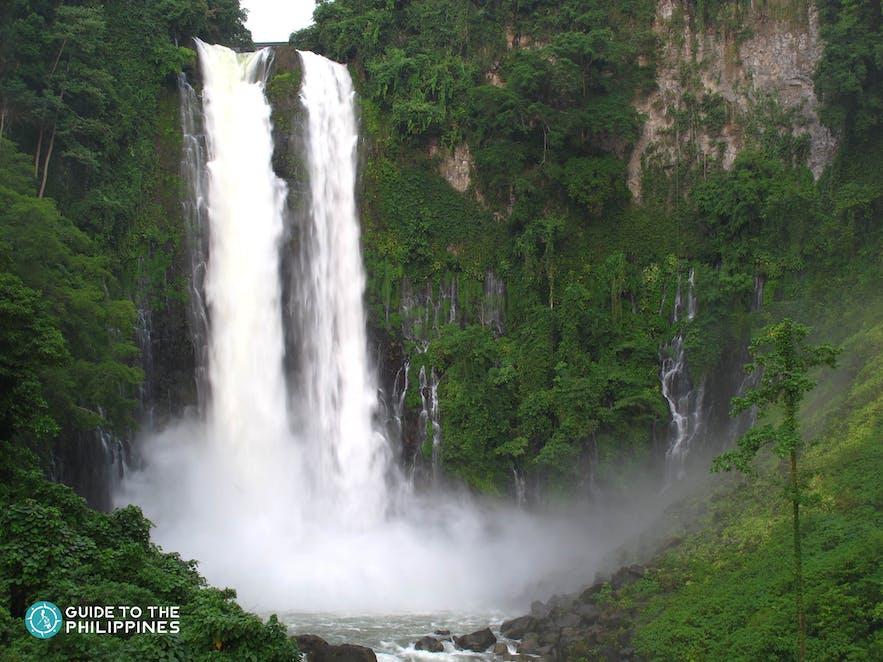 Wide shot of Maria Cristina Falls