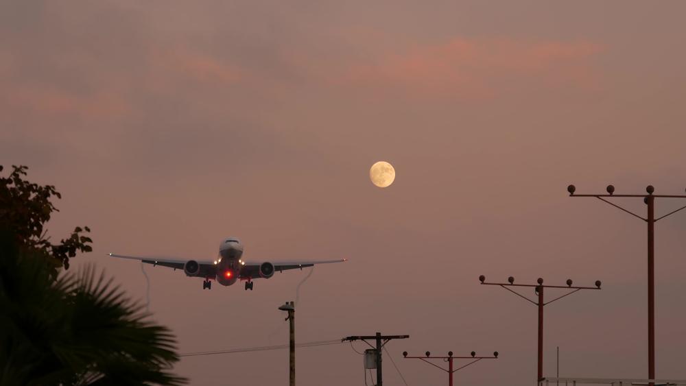 Flight from LAX to Manila