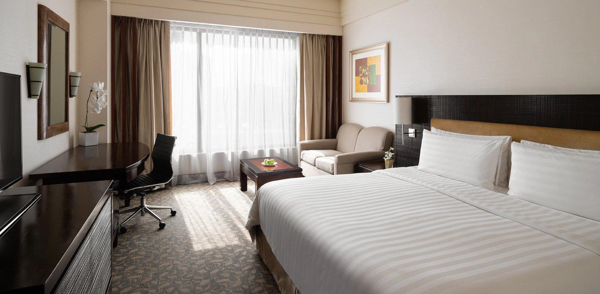 Enjoy your room during your last few days in EDSA Shangri-la Hotel