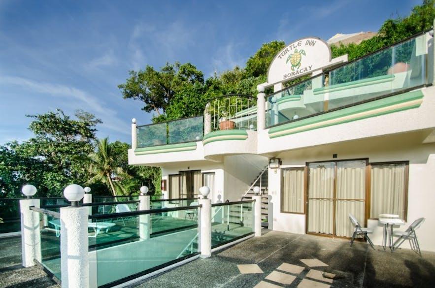 Common balcony at the Turtle Inn Resort