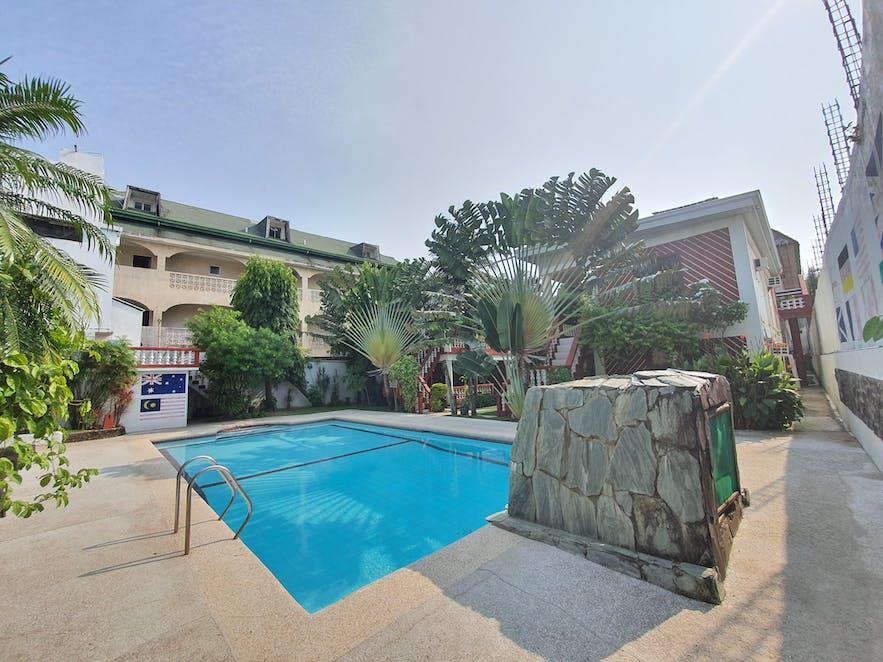 Outdoor pool of Tonglen Eco Resort