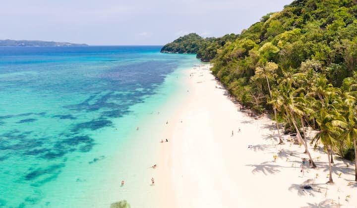 Scenic view of Puka Beach in Boracay
